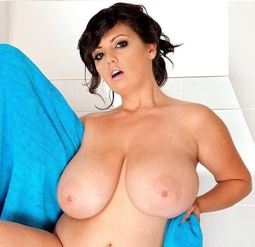 Arianna Sinn – Rub-A-Dub-Dub, Big Tits In A Tub 720p