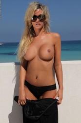 Holly-Henderson-Spring-in-Sicily-2--358wtlr06d.jpg